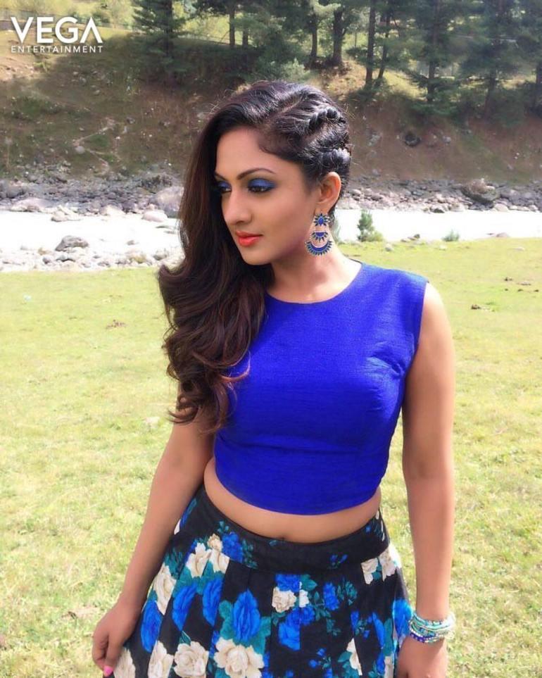 Sheela Kaur Wiki, Age, Biography, Movies, and Beautiful Photos and 112