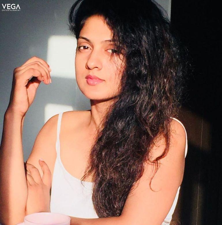 Sheela Kaur Wiki, Age, Biography, Movies, and Beautiful Photos and 109