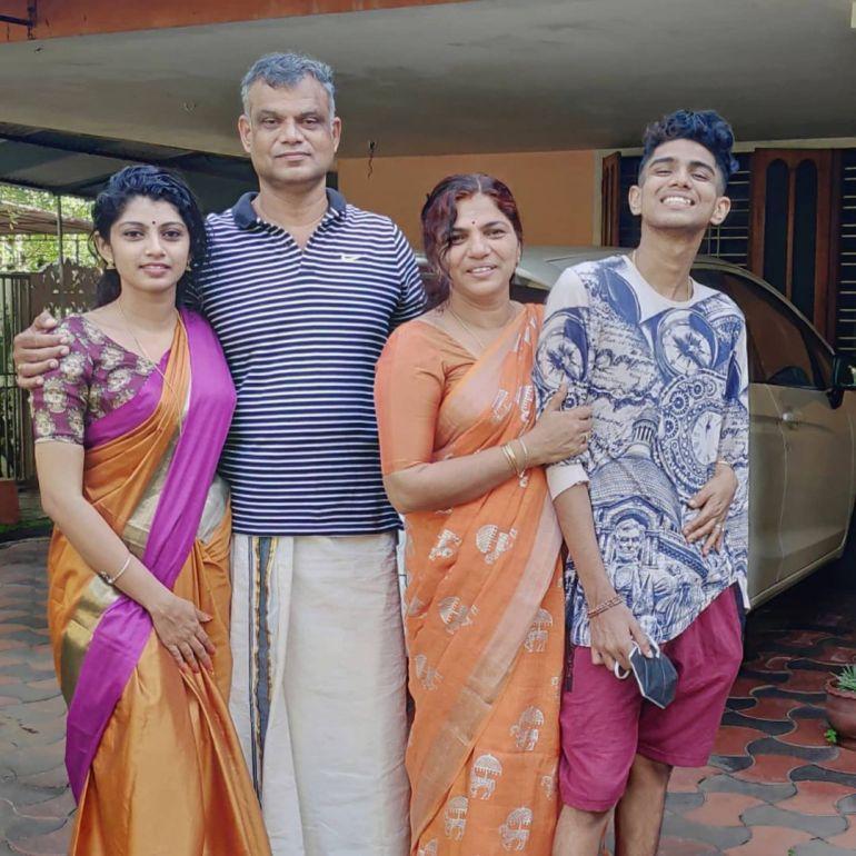 Shruthi Rajanikanth (Sruthi Rajanikanth) Wiki, Age, Biography, Movies, Serial and Beautiful Photos 89