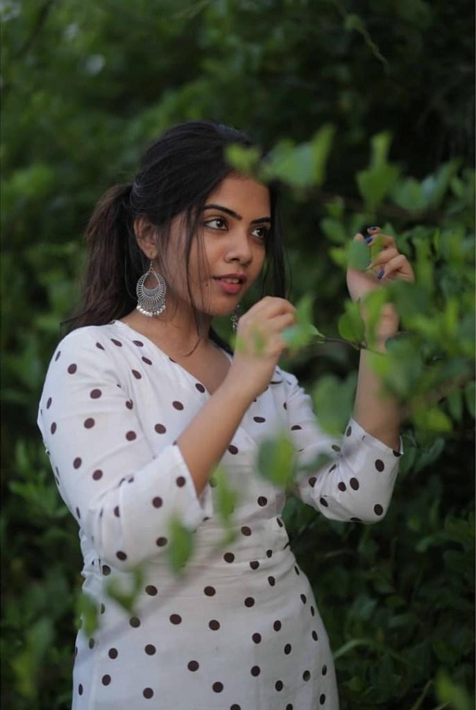 Vidhya Vijayakumar Stunning Photos, Biography, Wiki, Husband, Family, Instagram 7