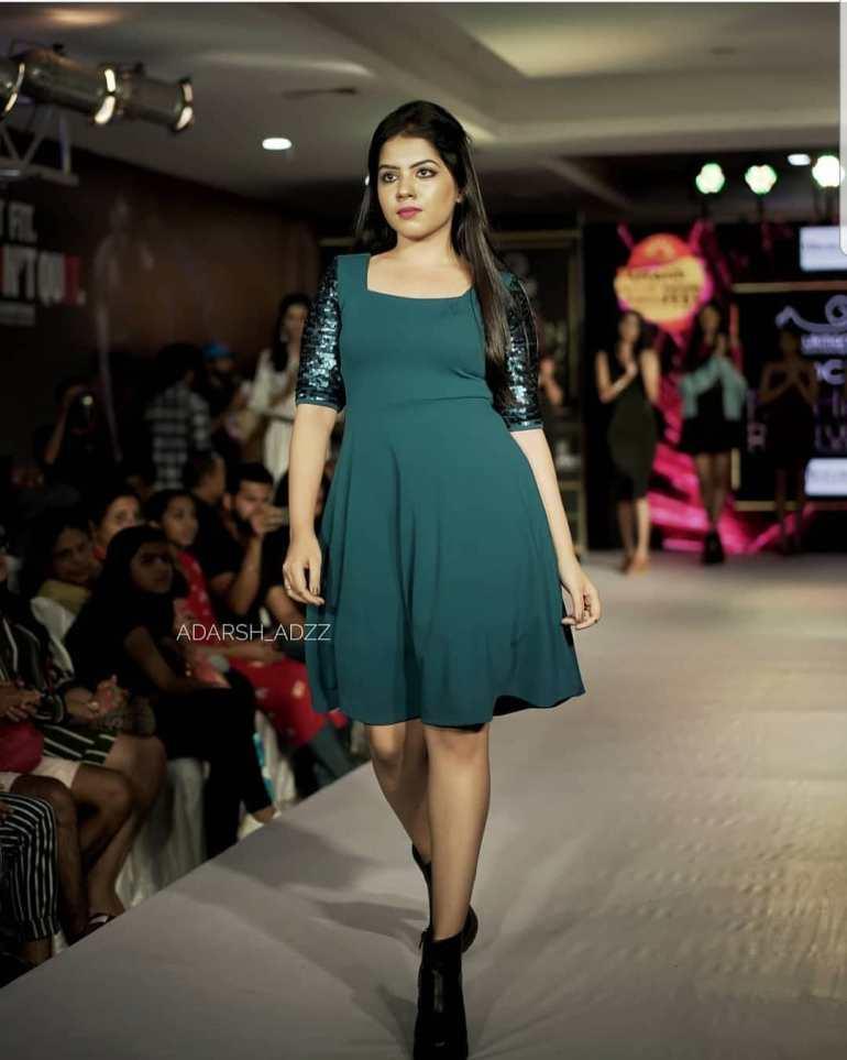 Vidhya Vijayakumar Stunning Photos, Biography, Wiki, Husband, Family, Instagram 18