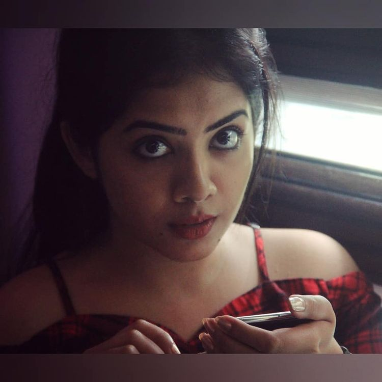 Vidhya Vijayakumar Stunning Photos, Biography, Wiki, Husband, Family, Instagram 25