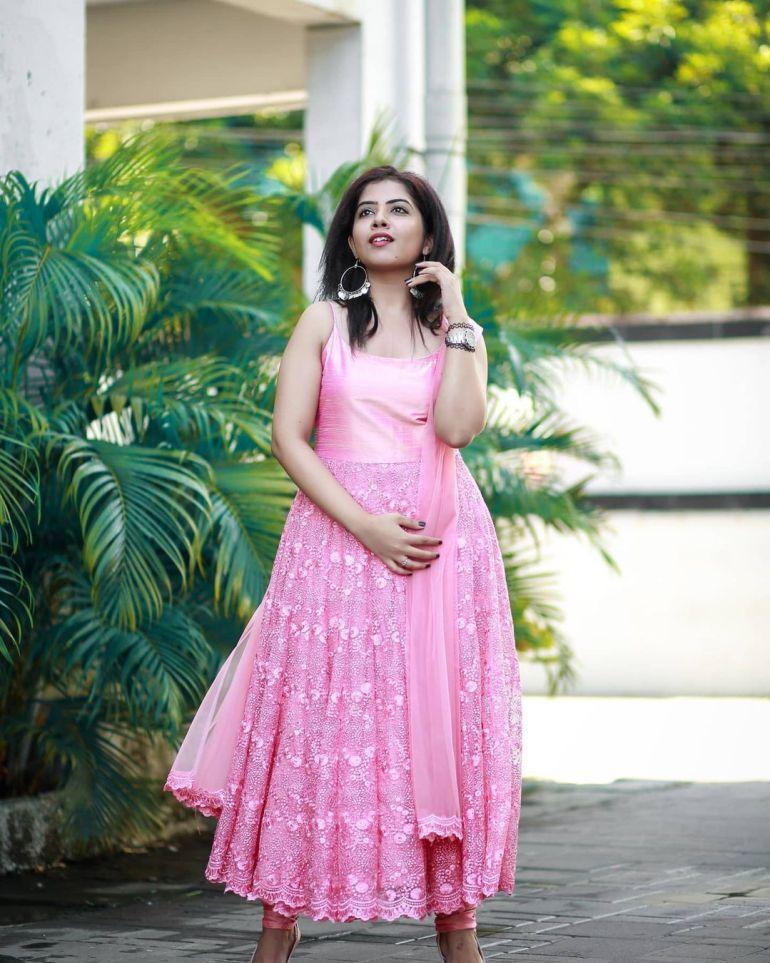 Vidhya Vijayakumar Stunning Photos, Biography, Wiki, Husband, Family, Instagram 36