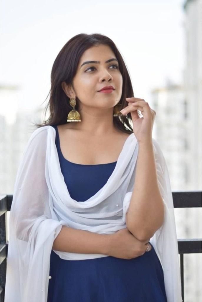 Vidhya Vijayakumar Stunning Photos, Biography, Wiki, Husband, Family, Instagram 38