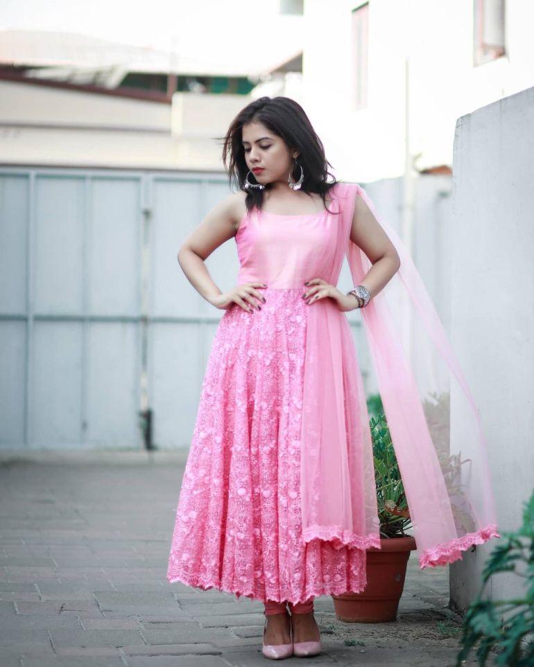 Vidhya Vijayakumar Stunning Photos, Biography, Wiki, Husband, Family, Instagram 39