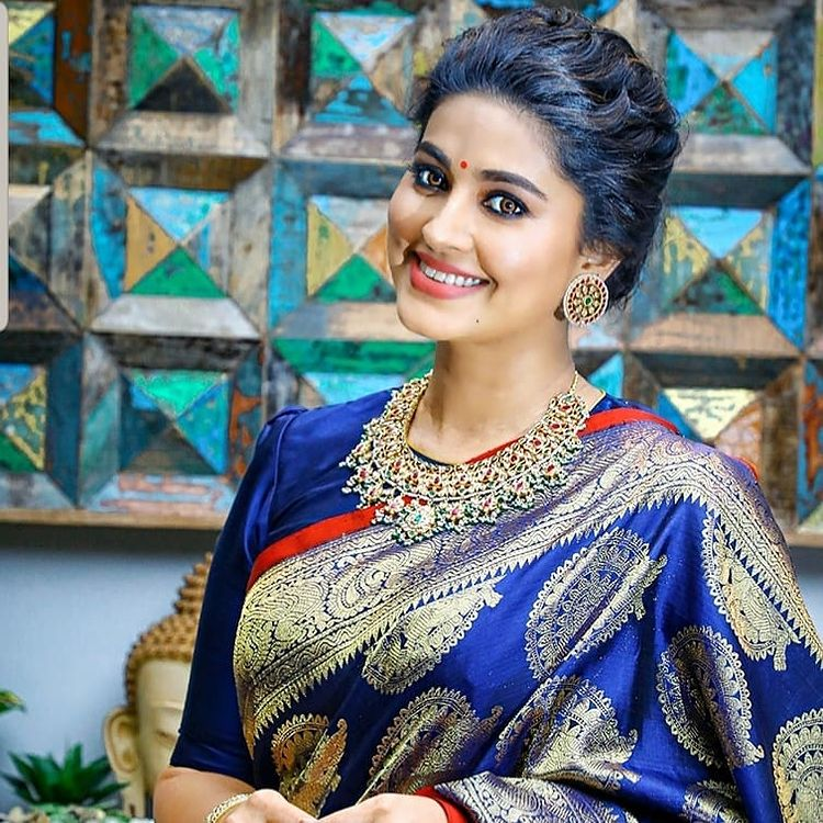 Sneha Prasanna Wiki, Age, Biography, Movies, web series, and Beautiful Photos 45