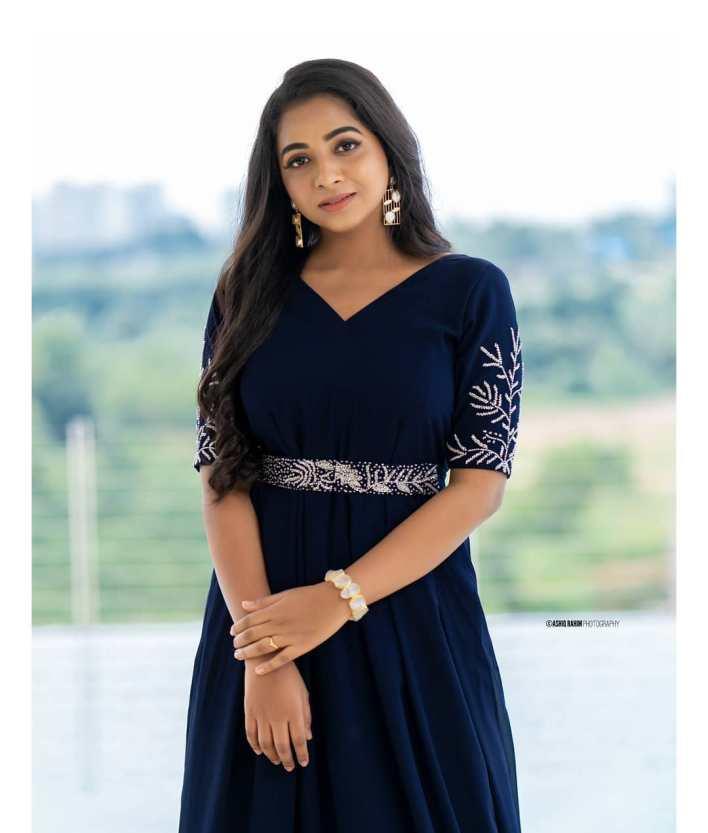 Sneha Babu Wiki, Biography, Age, Boyfriend, Movies, webseries and Beautiful Photos 6