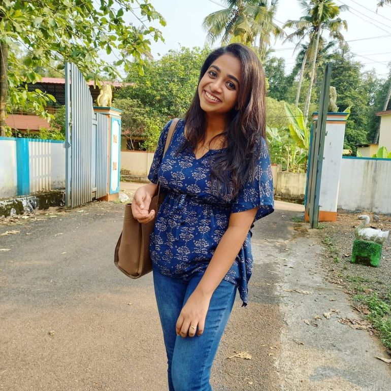 Sneha Babu Wiki, Biography, Age, Boyfriend, Movies, webseries and Beautiful Photos 19
