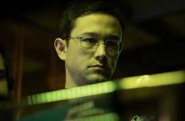 Snowden-FilmLoverss