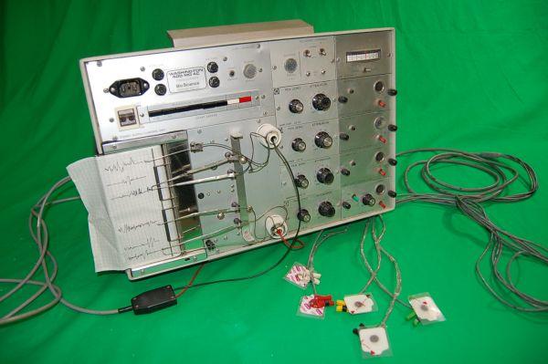 Polygraph Machine  Lie Detector Non Practical