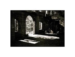 Leica IIIc, Nikon L35AF 35/2.8, Ilford FP4+ in Caffenol C-H(RS)
