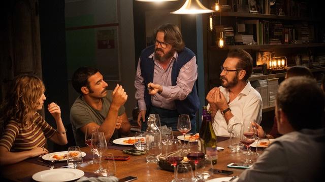 Nejlepší konverzační komedie posledních let se jmenuje Naprostí cizinci. Filmové OKO Havlíčkův Brod promítá komedii 27. 2. 2019.