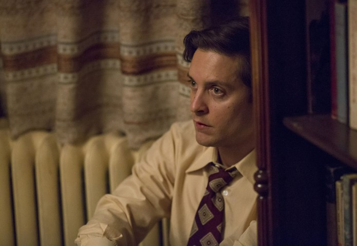 Tobby Maguire as Bobby Fischer