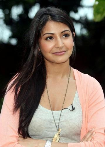 7 Anushka Sharma Without Makeup Photos