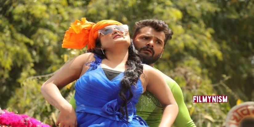 Khesarilal Yadav and Shruti Rao in Aashiqui-Filmynism