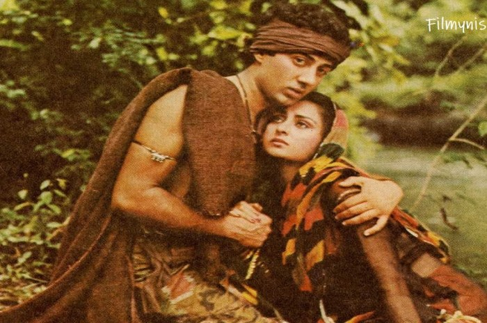 Sunny Deol and Poonam Dhillon-Filmynism