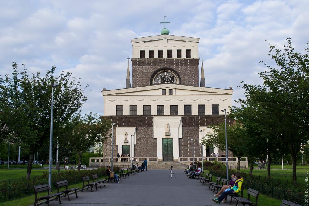 Современная европейская христианская архитектура.