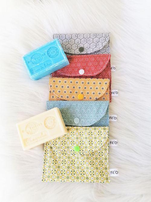 Collection pochettes à savon coloris divers
