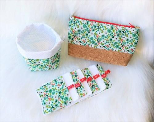 Ensemble Zéro déchet avec lingettes, panière et trousse bi-matière. Imprimé fleuri vert