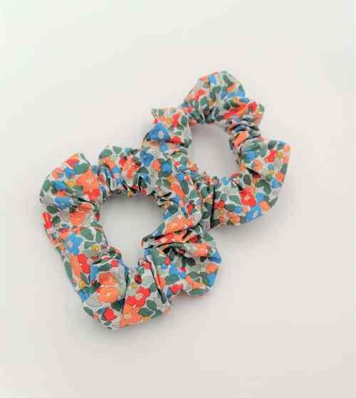Chouchou fleuri tons orangés et bleus petites fleurs