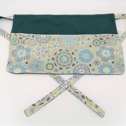 Tablier de maîtresse motifs mandalas bleus