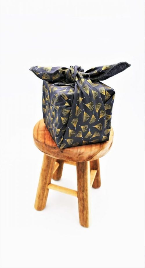 Furoshiki emballage cadeau Fil'Otablo plumes dorées gris