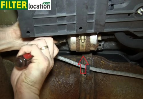 small resolution of how to change the fuel filter on ford escape 2002 2005how to replace the fuel filter