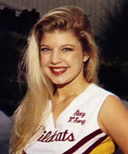 20 High School Pictures of Hollywood Female Celebrities ... Gwen Stefani High School
