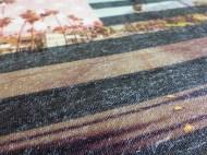 Schon beim Anfilzen merke ich, dass mein Plan aufgeht: die Wollfasern arbeiten sich durch den Stoff :-)