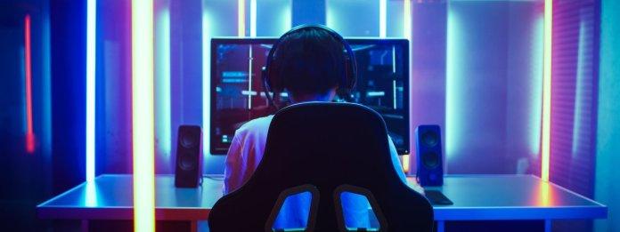 gamer on computer
