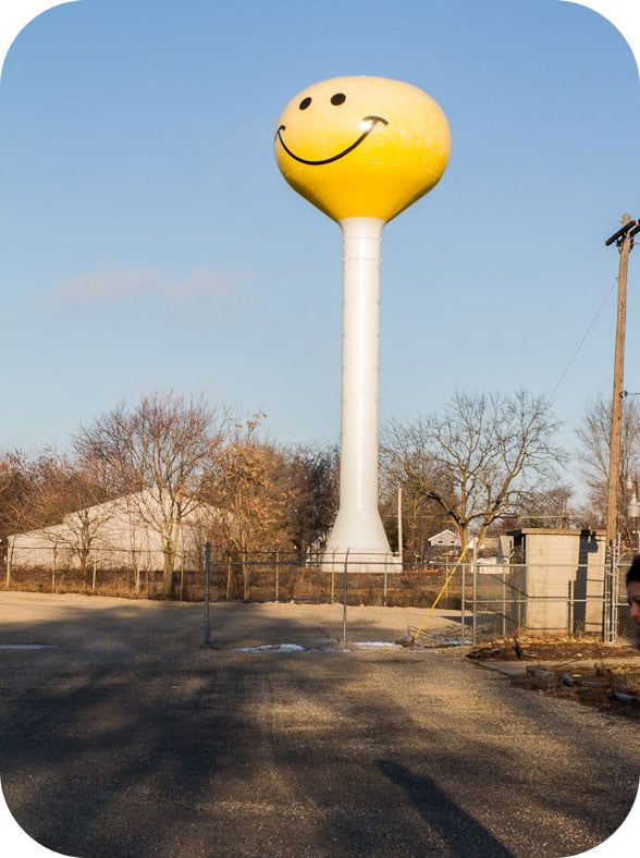 Giants on Route 66: Giant Smiley Face