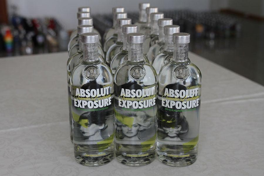 Absolut Exposure 16 x 1 liter