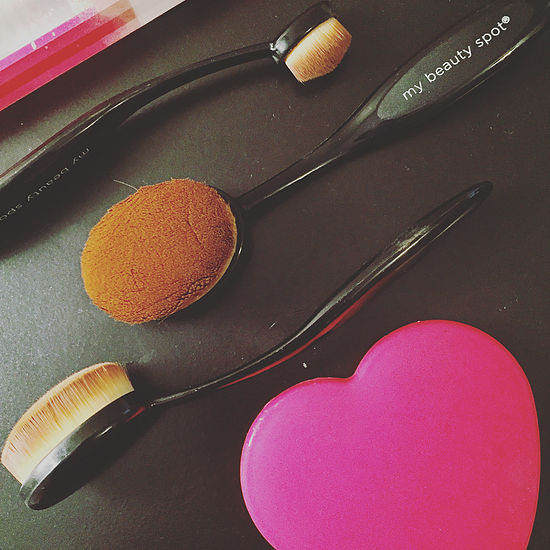 artis makeup brush