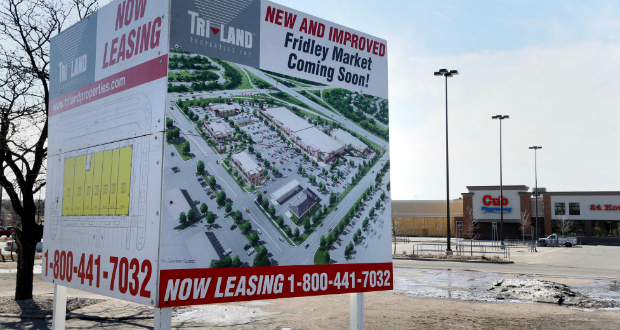 Work continues on Illinois-based Tri-Land Properties' Fridley Market project, a $21 million renovation of a 165,000-square-foot shopping center on the northwest quadrant of Interstate 694 and University Avenue, (Staff photo: Bill Klotz)