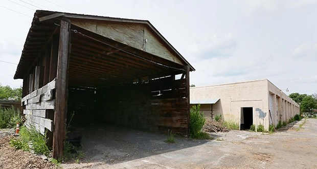 Little Canada-based Frattalone Cos. is the apparent low bidder to demolish a former city of Richfield public works facility at 7700 Pillsbury Ave. S. The city wants to clear the site for safety reasons and to make it more marketable. (Staff photo: Bill Klotz)