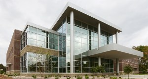 Robbinsdale-based North Memorial Health Care originally wanted to lease 35,000 square feet in the Minnetonka Medical Center, but then decided to take the entire 63,000-square-foot building at 15400 Highway 7. The Davis Group, which developed the building, says it gets the bulk of its financing from Wells Fargo. (Staff photo: Bill Klotz)