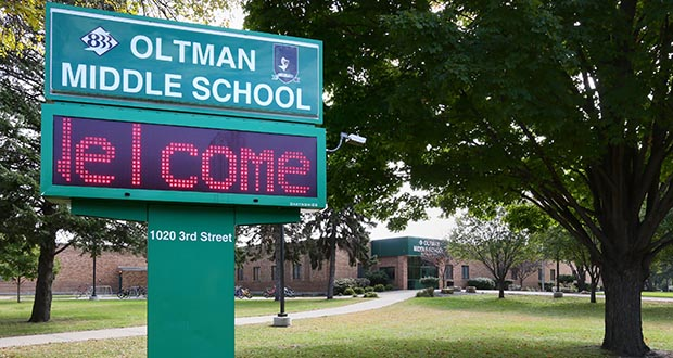 If voters approve a Nov. 3 bond proposal, the South Washington County School district plans to use some of the proceeds to convert this middle school, at 1020 Third St. in St Paul Park, into an elementary school. (Staff photo: Bill Klotz)
