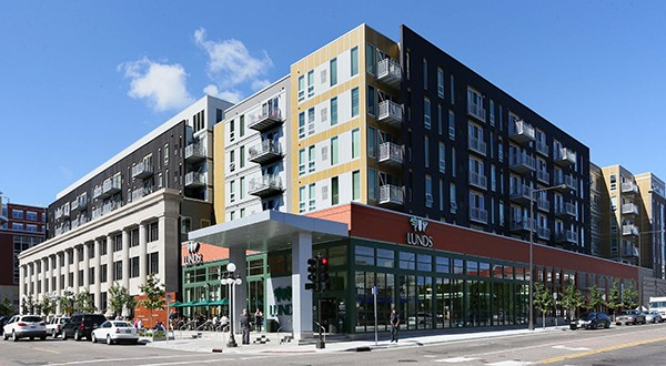 St. Paul's Housing and Redevelopment Authority decided Wednesday to sell the 254-unit Penfield Apartments complex at 101 E. 10th St. File photo: Bill Klotz