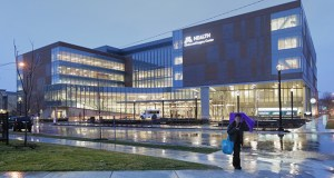 The 342,000-square-foot University of Minnesota Clinics and Surgery Center mixes dark and light brown panels with plenty of windows. Staff photo: Bill Klotz