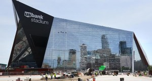 U.S. Bank, which purchased the naming rights for the Vikings stadium in downtown Minneapolis, has prevailed in the sign war with competitor Wells Fargo. (Staff photo: Bill Klotz)