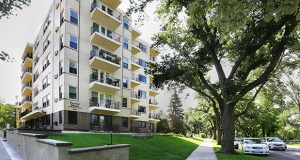The 42-unit Calhoun Shores apartments at 3101 E. Calhoun Parkway in Minneapolis offer one- and two-bedroom units that average about 1,100 square feet. The apartments feature balconies with a view of Lake Calhoun. (Staff photo: Bill Klotz)