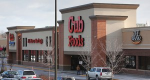 The Fridley Market at 244-250 57th Ave. NE in Fridley is one of three Cub Foods-anchored properties that have sold to Sterling Organization of Palm Beach, Florida. (Staff photo: Bill Klotz)