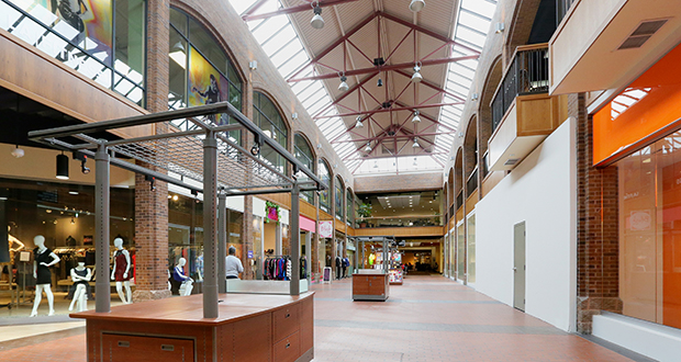 Calhoun Square was awarded one of six Building Energy Challenge awards from the city of Minneapolis. The shopping center, at 3001 Hennepin Ave. S. in the Uptown area, has proved its commitment to energy efficiency by installing LED lighting in its parking ramp and common areas. (File photo: Bill Klotz)