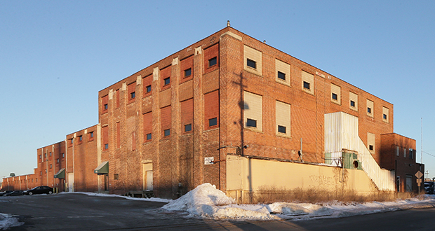 The development team of Pak Properties and HBG Group hopes to renovate this former meat-packing plant at 2103 Wabash Ave. in St. Paul for apartments and commercial uses. (Staff Photo: Bill Klotz)