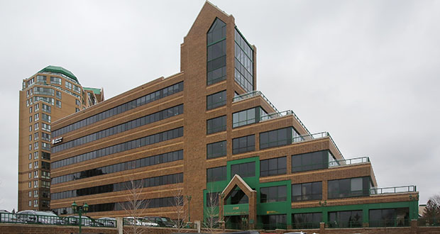 The Edinborough Corporate Center, which overlooks Interstate 494 at the intersection of York Avenue and Edinborough Way in Edina, is connected to the 135-room Marriott Residence Inn Hotel and the 203-unit Brookdale Edina senior apartment complex. (Staff photo: Bill Klotz)