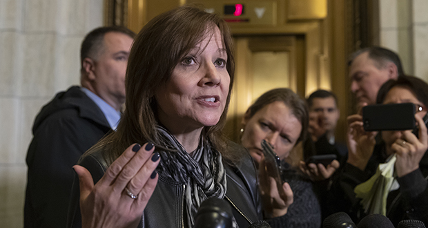 General Motors CEO Mary Barra speaks to reporters after a meeting with Sen. Sherrod Brown, D-Ohio, and Sen. Rob Portman, R-Ohio, on Dec. 5, 2018 to discuss GM's announcement it would stop making the Chevy Cruze at its Lordstown, Ohio, plant. (AP photo)