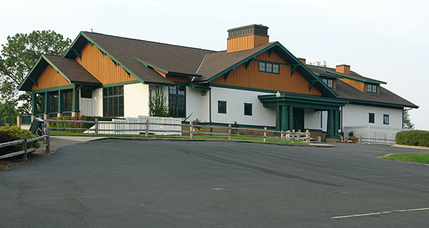 The St. Paul Port Authority plans to purchase the 112-acre former Hillcrest Golf Club, including the clubhouse at 2200 Larpenteur Ave. in St. Paul, for $10 million. The authority envisions up to $250 million in new mixed-use development on the site. (Submitted photo: CoStar Group)