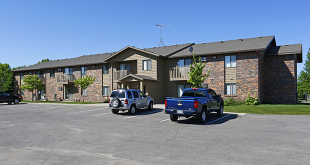 The 76-unit Country Club Manor apartments in Hutchinson have sold to a Bloomington buyer for $5.7 million. (Submitted photo: CoStar)
