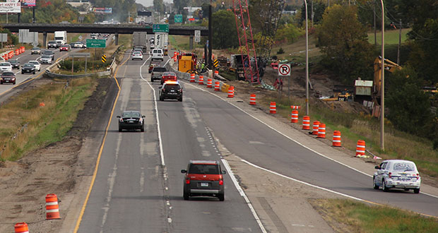 C.S. McCrossan submitted the low price of $127.149 million Wednesday to expand Interstate 94 between Maple Grove and Rogers. In this file photo, crews work on a stretch of I-94 between St. Michael and Rogers. (Submitted photo: MnDOT)