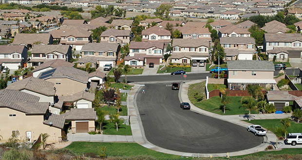 American suburbs are not only becoming more diverse in terms of race and ethnicity, but also in terms of income, housing affordability, crime and poverty. (Photo: Deposit photos)